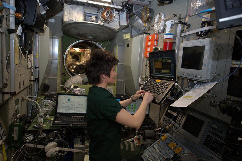 Soyuz manual descent On-Board Training - Samantha Cristoforetti