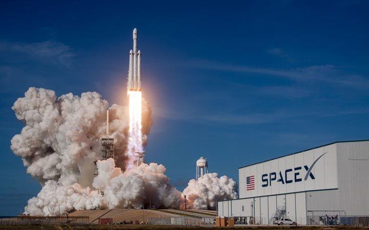ผล�ารค้นหารูปภาพสำหรับ Falcon Heavy