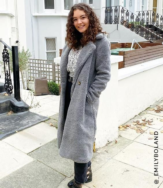 Savannah Coat influencer