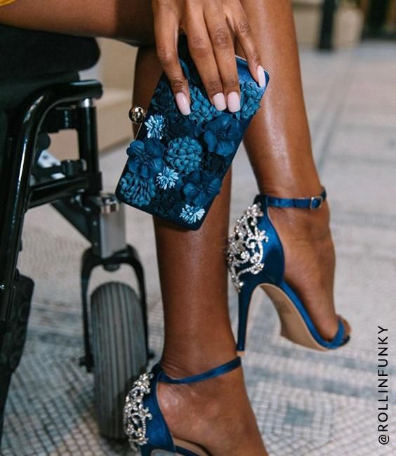 3D Floral Clutch Bag in Blue