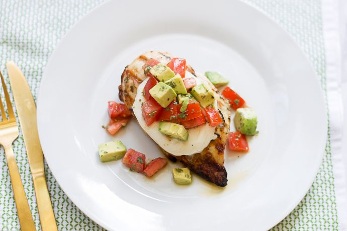 avocado and tomatoes grilled chicken