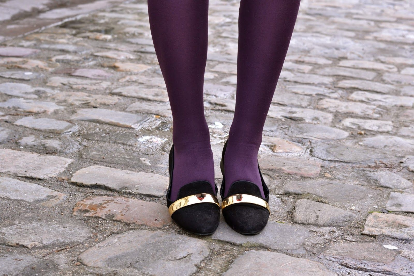 How to wear purple tights