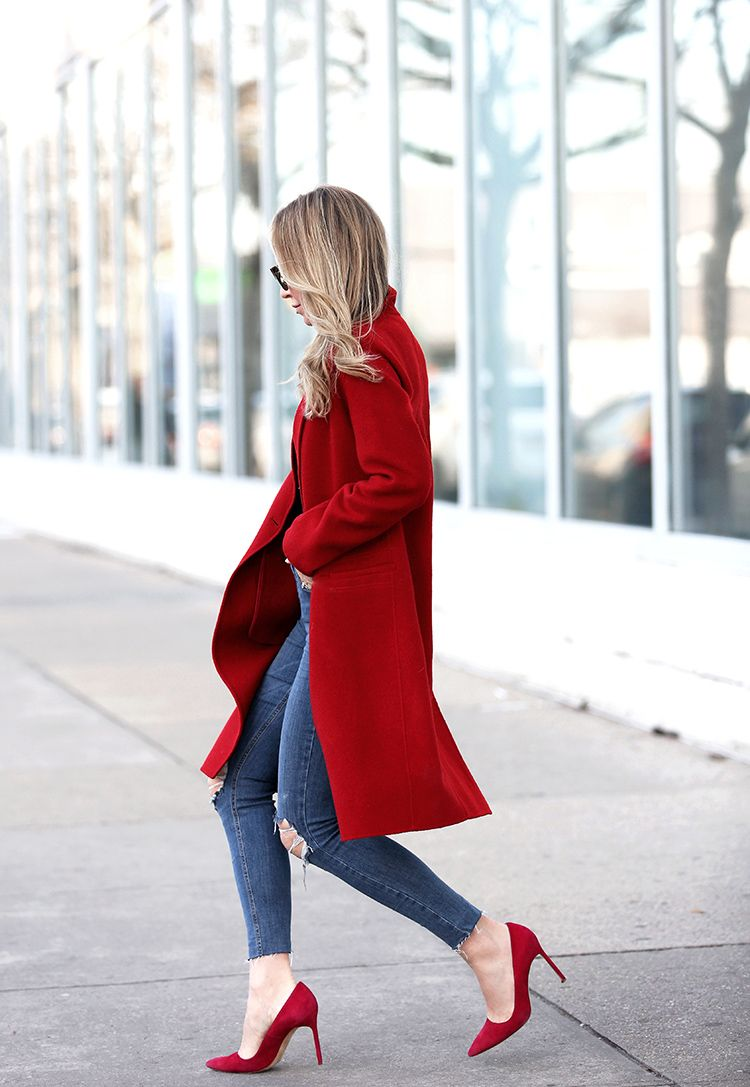 Fall Outfit Inspiration, Bold Statement Coat, Helena of Brooklyn Blonde