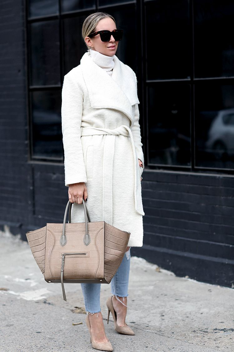 Fall Outfit Inspiration, White/Ivory Wrap Coat, Khaki Tote, Helena of Brooklyn Blonde