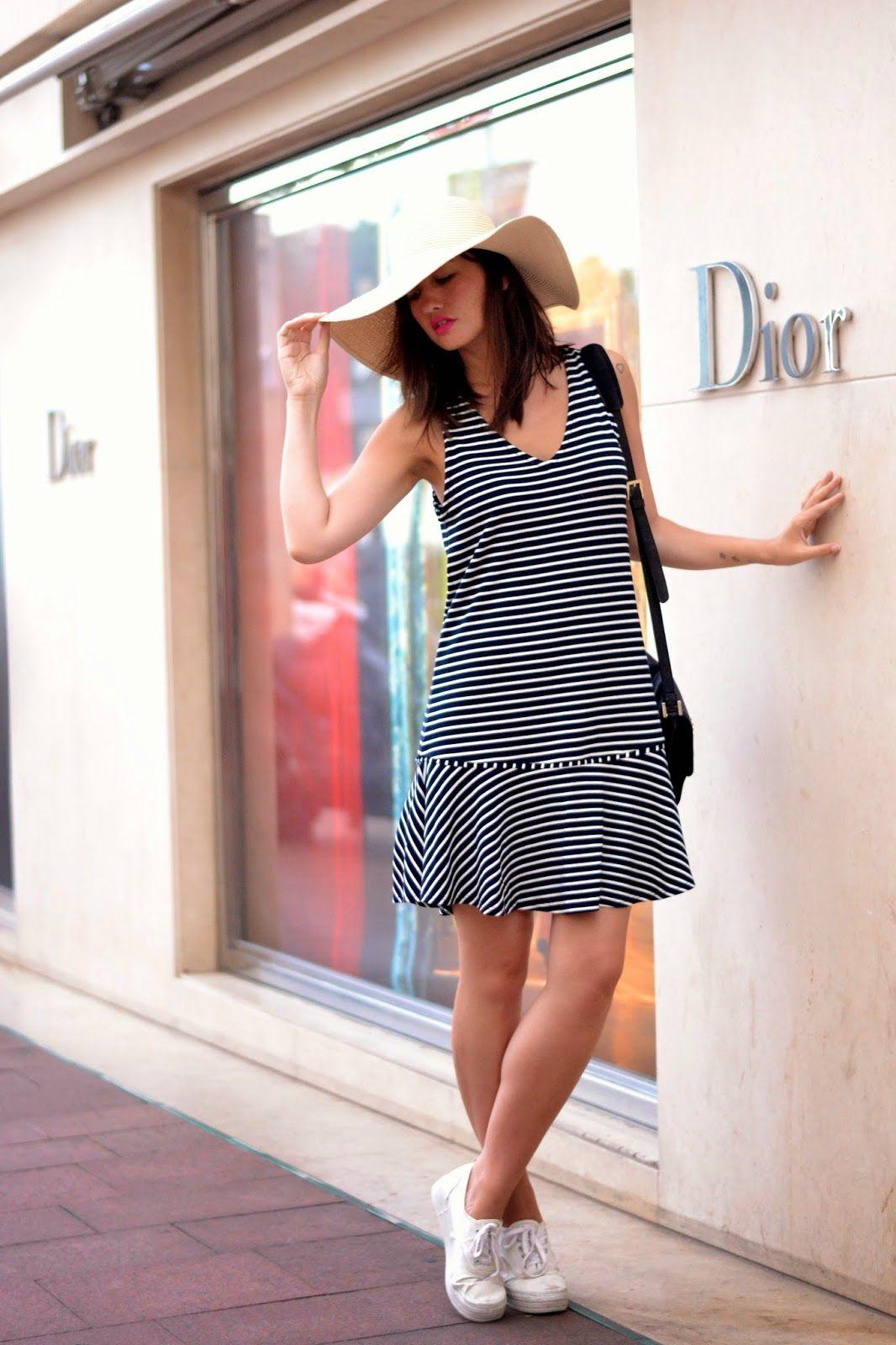 How to wear a stripey dress