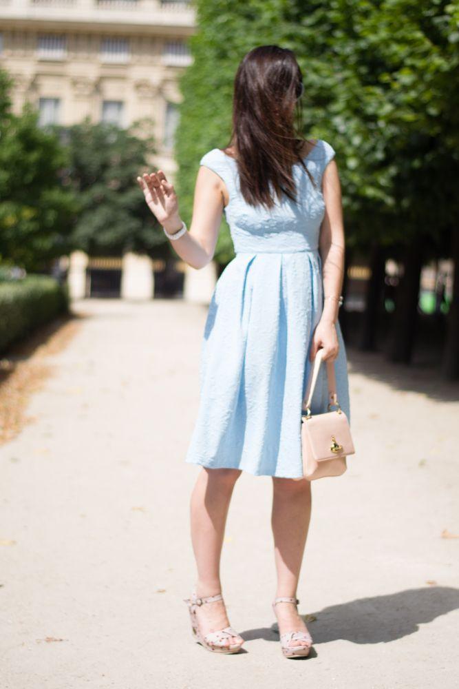 Womenswear fashion blogger