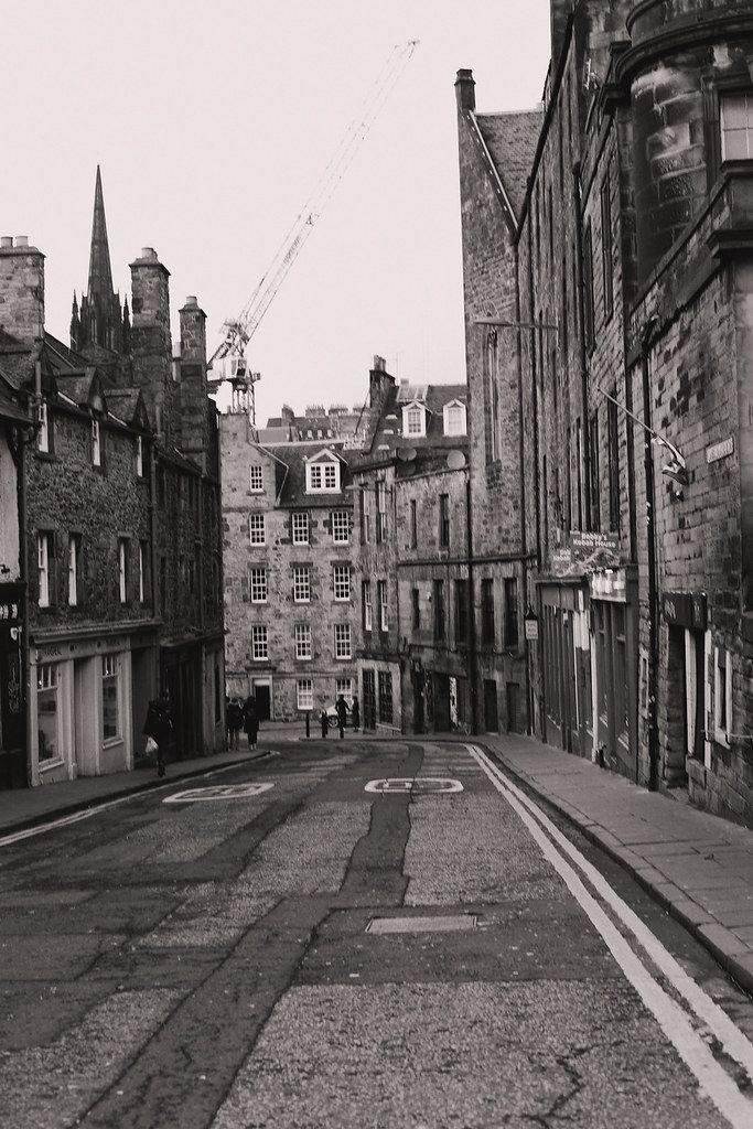 The Little Magpie Edinburgh Guide