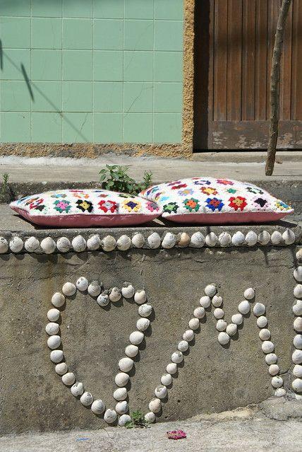 ♥ shells & colored cushions