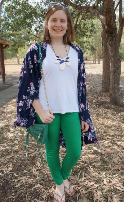 navy floral cocoon kimono with white tee green skinny jeans and matching bag | away from blue