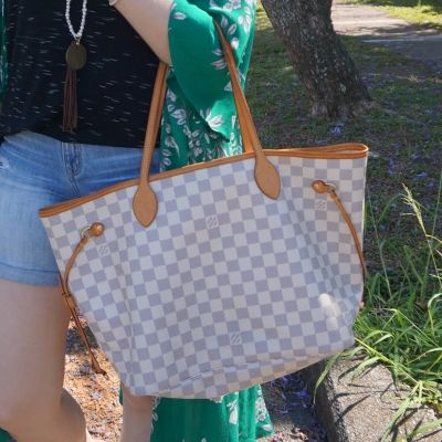 Louis Vuitton MM damier azur neverfull with green floral kimono | away from the blue
