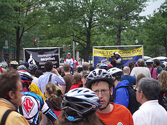Adrian Fenty Speaks at Freedom Plaza, DC Bike to Work Day Pitstop